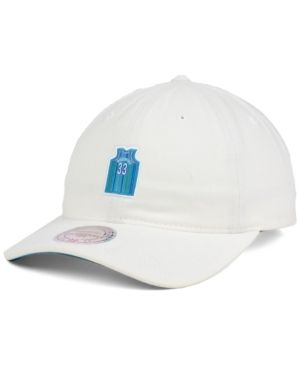 Mitchell & Ness Alonzo Mourning Charlotte Hornets Deez Jersey Dad Cap  - White Adjustable