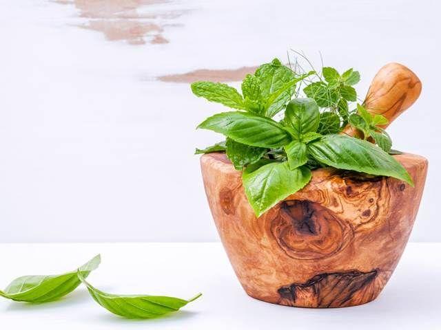 Překyselení organismu. Místo léků volte tyto bylinky....... https://www.prostreno.cz/zdravi-a-diety/clanky/21429/Prekyseleni-organismu-Misto-leku-volte-tyto-bylinky
