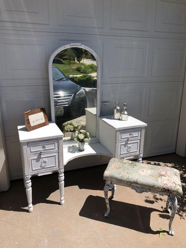 Offer Up Los Angeles >> Vintage Shabby Vanity For Sale In Los Angeles Ca Vanity Mirror