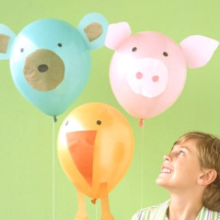 Party animal baloons for a birthday balloon toss game