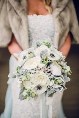 White winter bridal bouquet