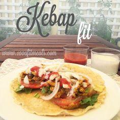 1000 Fit Meals: #127 Kebap con pollo macerado en especias y sus salsas...light !