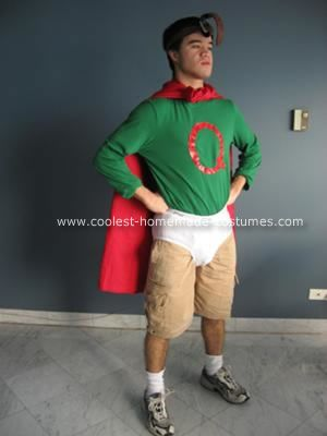 Homemade Quailman Costume: I absolutely loved watching Doug when I was growing up.  Until last night, I didn't realize how many of us had this fondness in common.  Random strangers