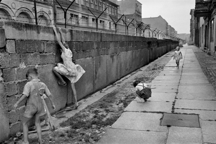 Henri Cartier-Bresson, The Berlin Wall 1962