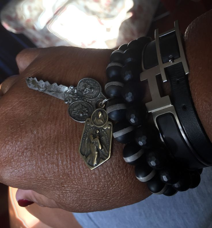 Here's how I like to wear my Braccialetto Femia bracelets mixed with Hermes! Please check them out on Braccialetto Femia on Facebook.