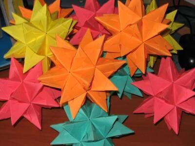 Bastelanleitung Sterne aus Papier falten