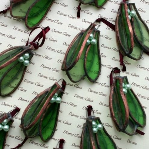 MIstletoe Christmas decorations- stained glass