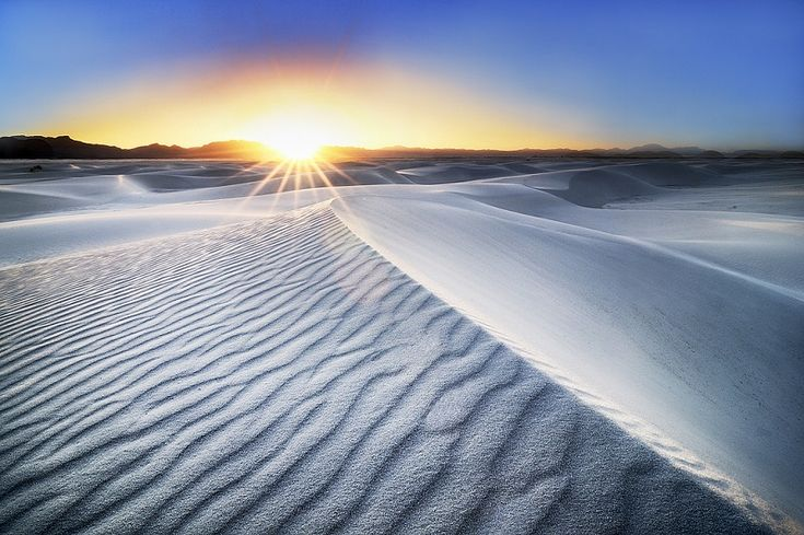 White Sands desert in New Mexico)