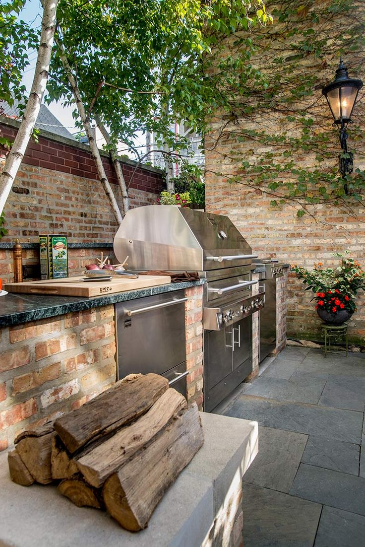 Outdoor Cooking Spaces Part - 31: A Nice Chicago Outdoor Kitchen In My Article U2026.. U201cDressed To Grillu201d