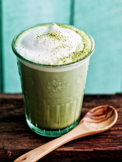 Matcha Tee ist gesund und lecker. 3 Rezepte, wie du deinen Matcha Latte selbst machen kannst.