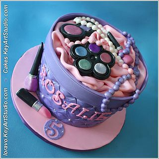 Makeup box cake for a 5 year old by Cakes.KeyArtStudio.com, via Flickr