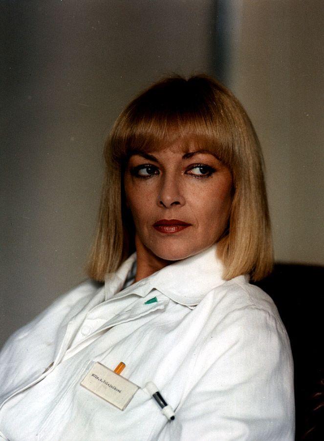Skalpel, prosím (1985) on IMDb: Movies, TV, Celebs, and more...