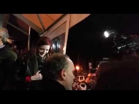 Annalisa Scarrone Sanremo 2015 Saluta Fan e Fotografi