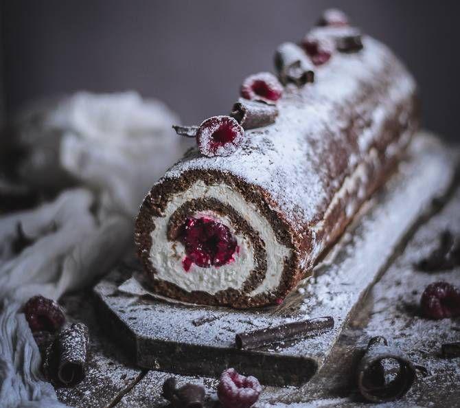 Rollo de chocolate y almendra con mascarpone y frambuesas – Varomeando [Manuel Apir]