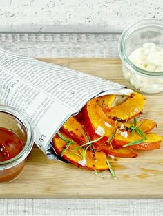 Einmal Kürbispommes Schranke, bitte! - Kommt sofort! Denn die Gemüsefritten sind schnell gemacht.