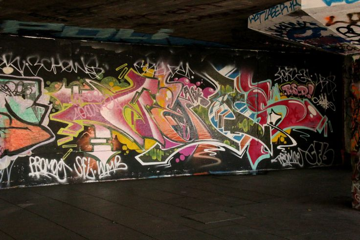 SHUCKS, BAND, SHAM, INK DEVILS, TIZER, ID, HOD, CBM, 1T, YCP, RHC and others.The Undercroft, South Bank, London.