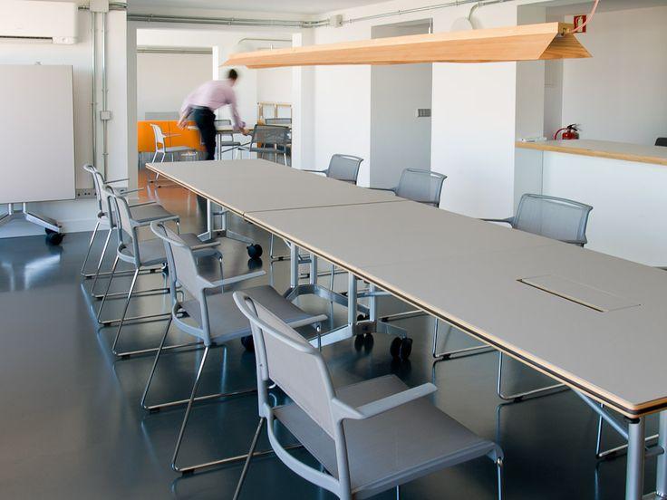 Las 25 mejores ideas sobre mesa de conferencia en for Mesa reuniones diseno