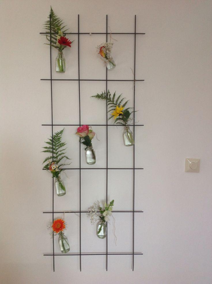 Rozenrekje, kleine vaasjes en touw. Bloemen uit de tuin en een paar gekocht. Daar word je toch blij van! Zondagmiddag klusje DIY. Flowers everywhere!