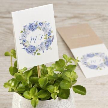 Donnez une finition unique à vos tables de mariage en complétenat votre décoration avec cette étiquette champêtre lilas. Idéal à disposer sur vos tables pour indiquer le nom ou le numéro de table mais également pour décorer vos éléments de table comme vos pots de fleurs. Personnalisez-la avec