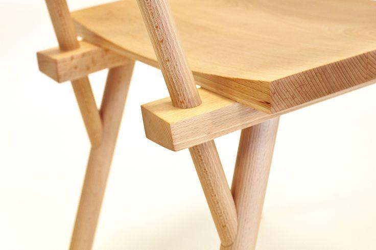 Rasmus Warberg, designer danois, présente Haku, la chaise tendance scandinave ayant pour but de changer l'image du bois de hêtre.