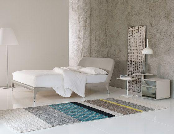 Letti matrimoniali | Letti-Mobili per la camera da letto | Guia ... Check it out on Architonic