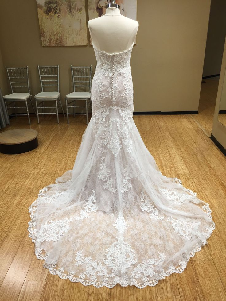 Layers of breathtaking lace come together to give this lace wedding dress from Essense of Australia a unique and romantic update. ( #D2451 )