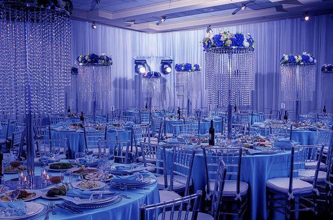 Необычная синяя свадьба в Москве