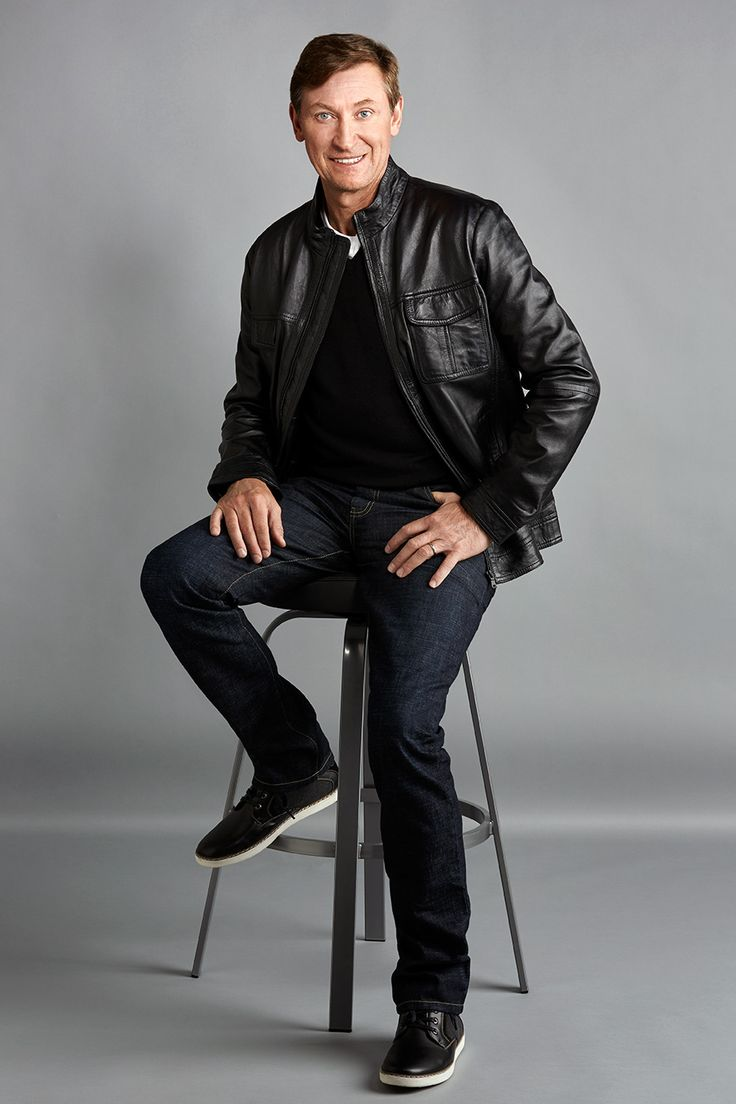 Style and sophistication are key features of the Wayne Gretzky Collection. #thegreatone #99 #waynegretzky #searscanada