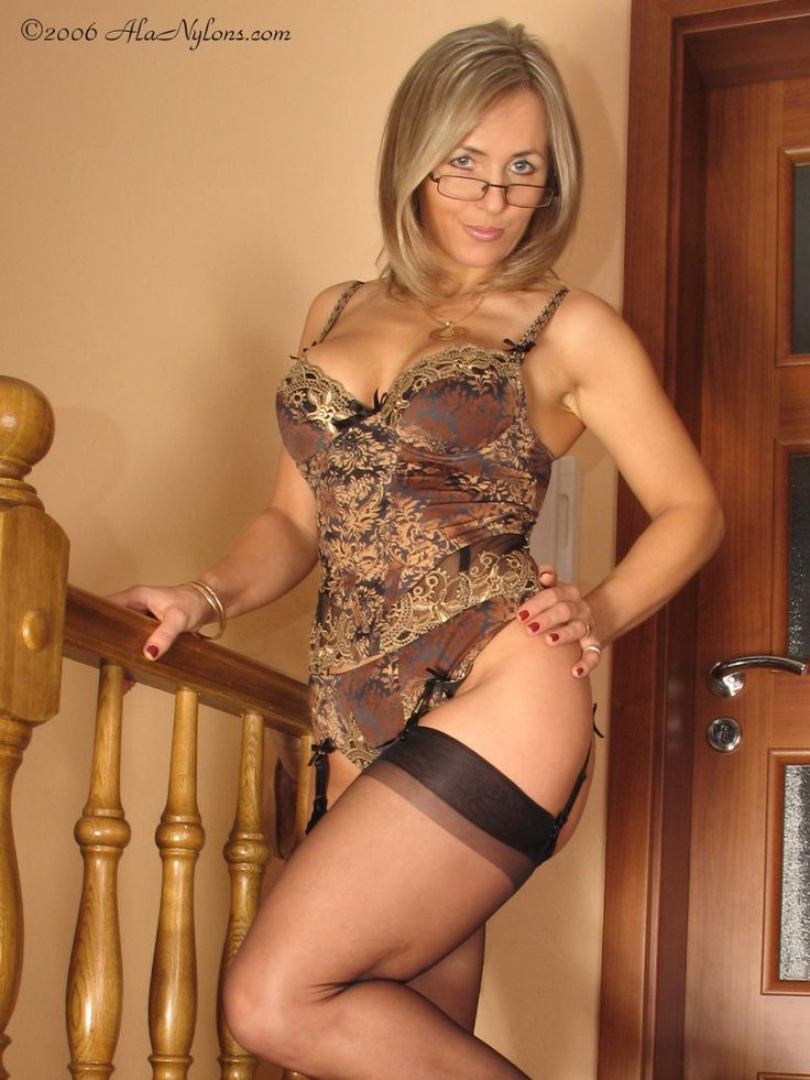 Milf And Mature Sex In Nylons 44