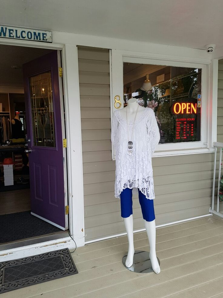 #Okotoks #boutique #shopping #yyc #ladieswear #womenswear #style  Thursday night late night opening until 7pm.... For anyone dropping by olde towne for a food stop,  pop in and check out the latest #Summer looks!! We also have our online webstore @ www.jazmineharbour.ca