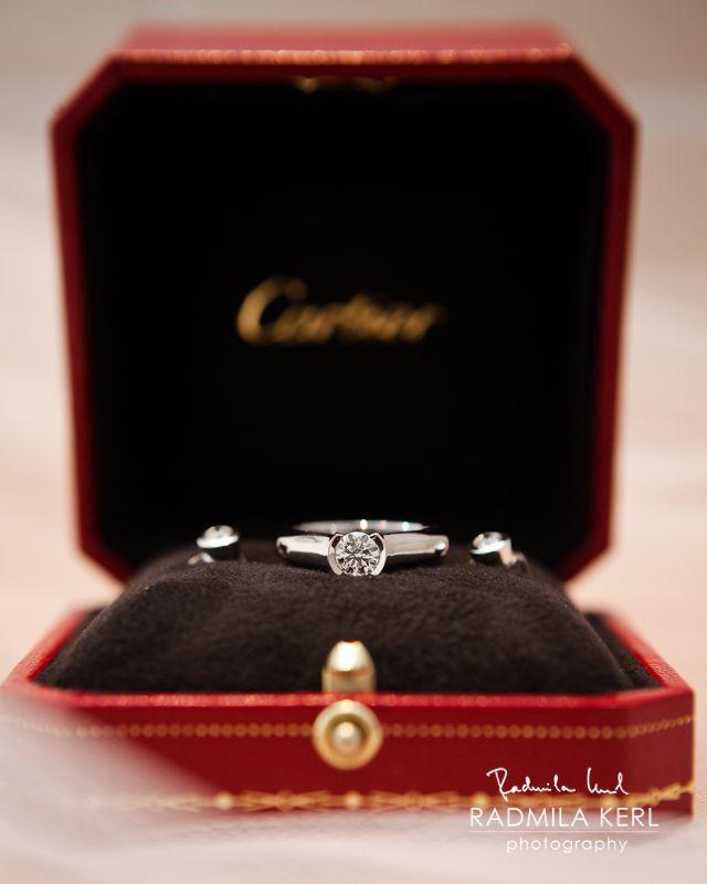 beautiful cartier wedding or engagement ring by (c) radmila kerl wedding photography munich  Schöner Cartier Ehering oder Verlobungsring