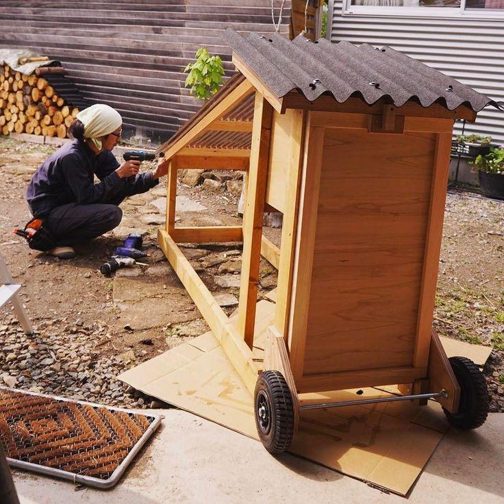 移動式の鶏小屋を製作中雑草を食べさせ糞で土を肥やすシステム #鶏 #diy #チキントラクター #鶏小屋