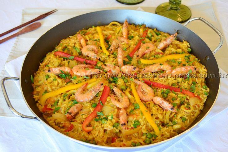 Receita de Paella de frutos do mar passo-a-passo. Acesse e confira todos os ingredientes e como preparar essa deliciosa receita!
