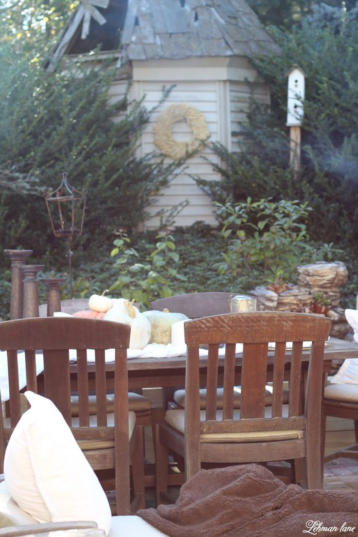 Stop by to see our fall patio and see even more beautiful outdoor spaces from my friends! #fall #falldecor #falloutdoors #fallpatio http://lehmanlane.net - outdoor table scape