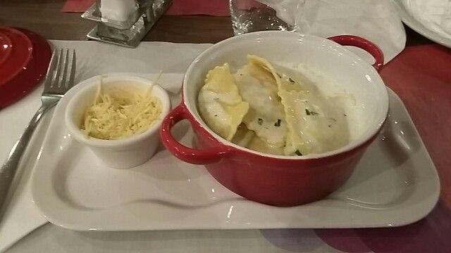 Ravioli in käsesahnesoße - Paris - food