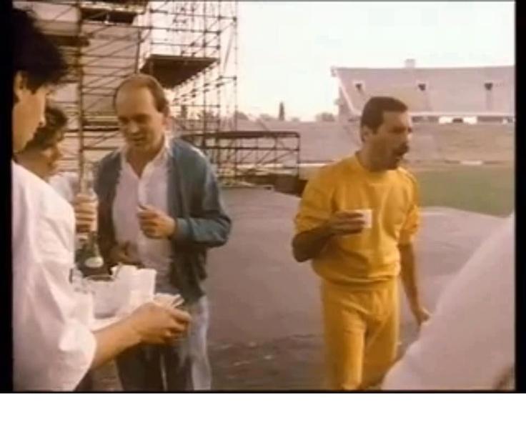 Freddy Mercury drinking Hungarian pálinka at Budapest Stadium, 1986 #Queen #Hungary