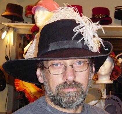 Chapeau de mousquetaire signé Suzanne Poissant Modiste