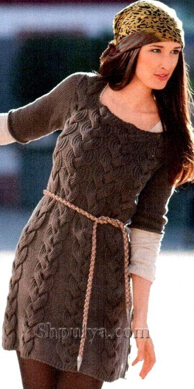 Мини-платье с косами, вязаное спицами