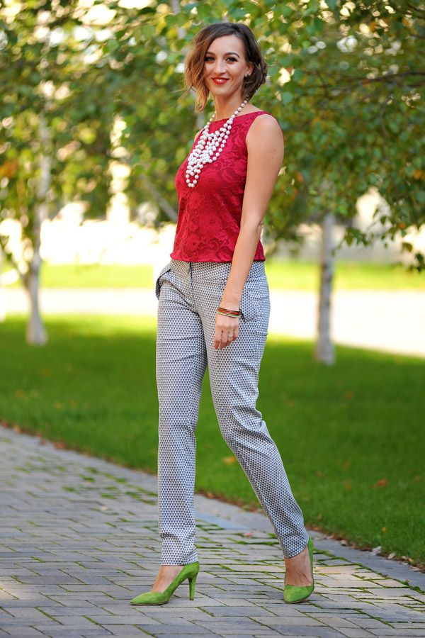Colors of Love - Simone S. Pants Spotted on a sunny day. #StreetStyle #SpecialOccasion #Holidays #Syle #FashionTrends #Refres #RedBlouse #Lace #Pearls