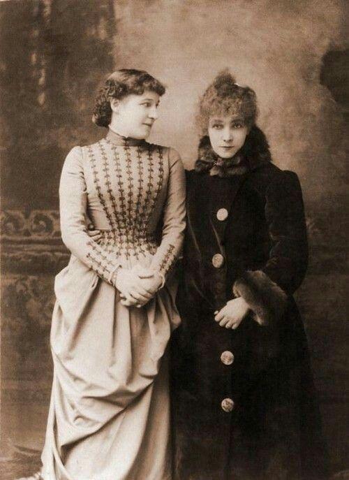 Sarah Bernhardt with Lillie Langtry ,ca 1887.