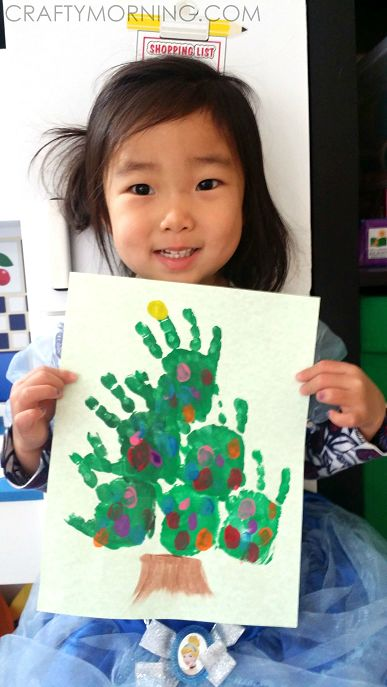 Easy Handprint Christmas Tree Craft for Kids – Crafty Morning