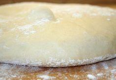 Pizzatészta Jamie Oliver-től recept képpel. Hozzávalók és az elkészítés részletes leírása. A pizzatészta jamie oliver-től elkészítési ideje: 30 perc