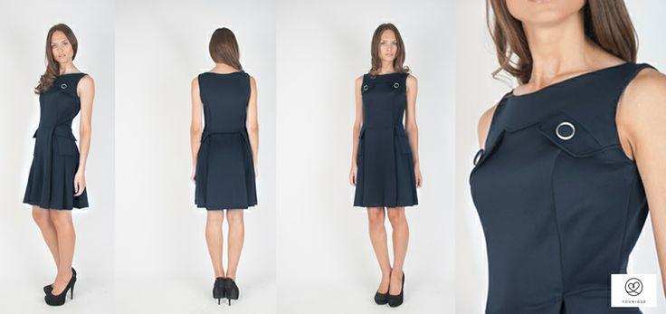 Vestido de neopreno azul marino con tapetas en los costados 95,00€ http://www.younique.es/productos/mujer/vestidos/vestido-pichi-neopreno