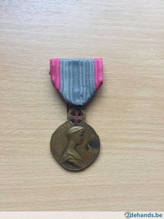 Medaille Koningin Elizabeth met rood kruis (1914-1918)