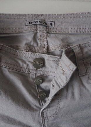 Kupuj mé předměty na #vinted http://www.vinted.cz/damske-obleceni/kalhoty-ostatni/16898439-bezove-kratke-kalhoty-na-knofliky
