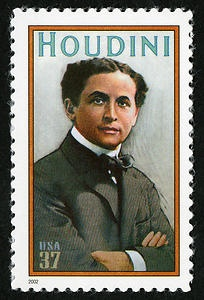 October 31, 1926: Magician Harry Houdini died of complications of ruptured appendix. His postage stamp via @Postal Museum