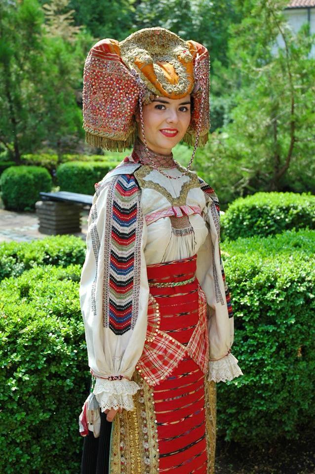 "Banat costume @ The Ethnographic and Revival Complex ""St. Sophronius of Vratsa"" http://www.vratsamuseum.com/index.php?pageID=45&lang=en; http://bulgariatravel.org/en/object/183/regionalen_istoricheski_muzej_vraca"