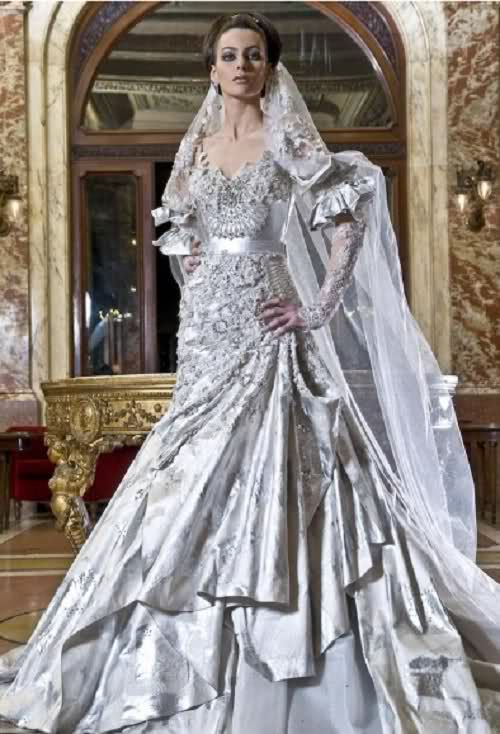 Fabulous princess grey bohemian wedding dresses with metallic accents