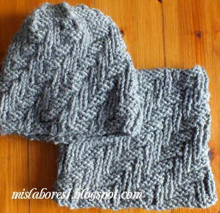 Talla para un adulto.   Materiales necesarios: 200g de lana Peru de Katia, agujas nº 6,5 y una aguja para coser lana.  Puntos empleados: Pu...