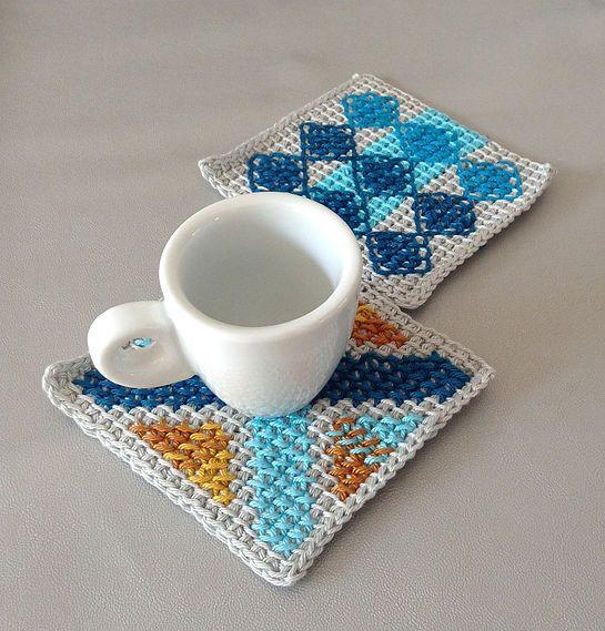 crochet coffee placemat pattern inspired by portuguese tiles pattern - tunisian crochet, cross stitch, cotton yarn, diy